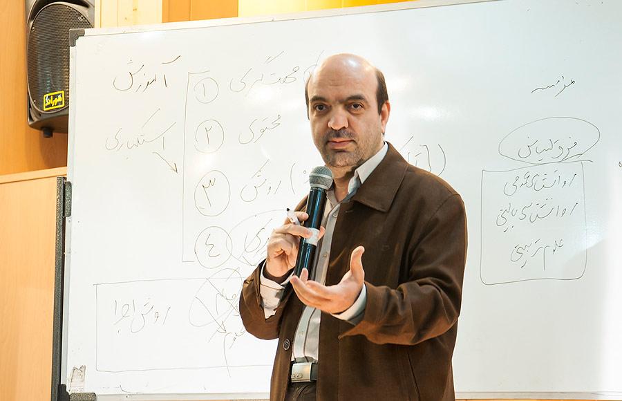همایش کلید های رشد معنوی و دینی در سنین نوجوانی در دولت آباد