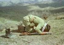 قیام برای اقامه نماز