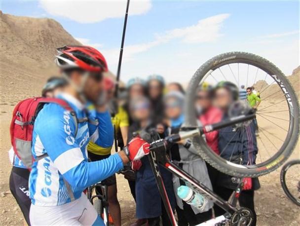 رکاب زدن مختلط به بهانه ورزش