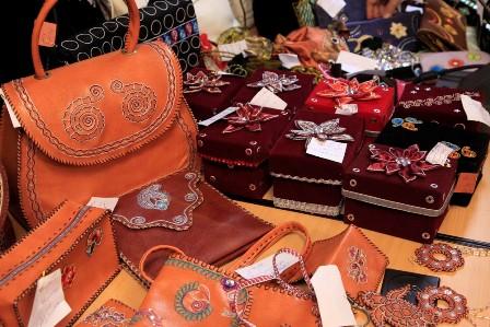نمایشگاه آثار هنری و صنایع دستی در دولت آباد برپاست