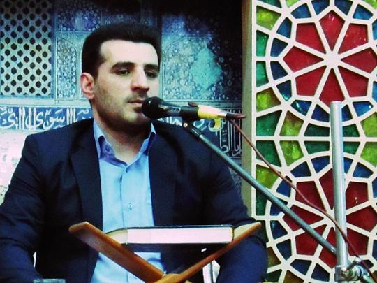 لازمه شروع قرائت قرآن، تقلید از یک قاری زیر نظر استاد است