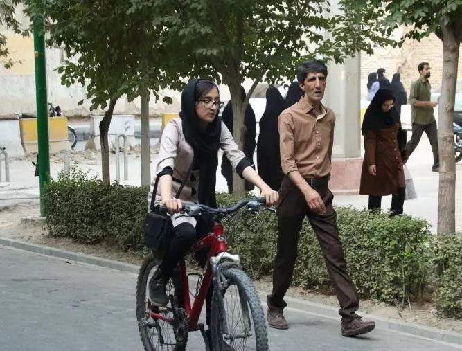 دوچرخه سواری بانوان در «سه شنبه های بدون خودرو»/ تصاویر