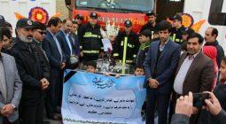 ادای احترام مسئولان و دانش آموزان برخوار به شهدای آتش نشان/ تصاویر