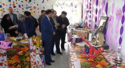 نمایشگاه دست سازه های دانش آموزان متوسطه اول شهرستان افتتاح شد+ عکس