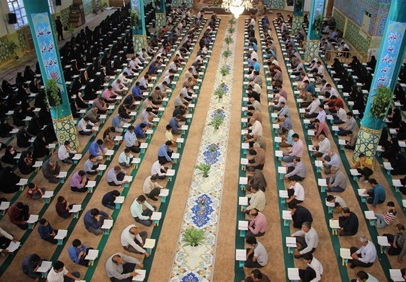 ضیافت تلاوت قرآن در امامزاده نرمی اصفهان ۸ ساله شد/ پایان میهمانی خدا با قرائت آیات نور+ تصاویر