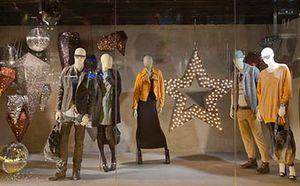 شلیک به تولید ملی با ورود برندهای پوشاک خارجی