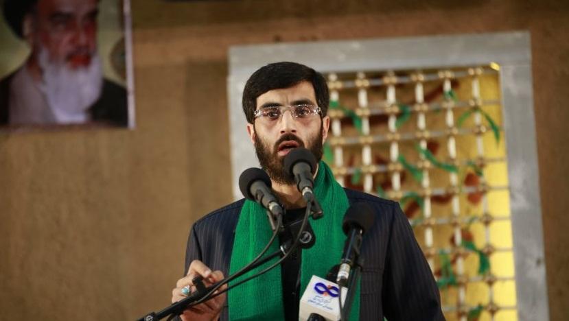 فیلم/ مداحی شب چهارم محرم ۹۶ با نوای سیدرضا نریمانی