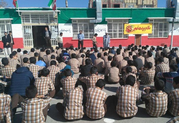 برگزاری 110جشن انقلاب در ایام الله دهه فجر در مدارس برخوار /تصاویر