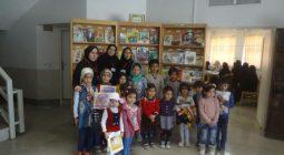 حضور مسئولان و کتاب دوستان در طرح کتابخانه گردی شهر خورزوق/ تصاویر