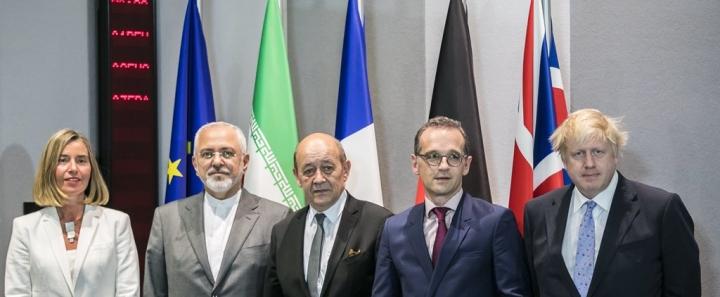 مسئول سیاست خارجی اروپا آب پاکی را روی دستان ظریف ریخت!