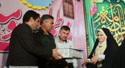 تجلیل از دختران نخبه شهر سین در جشن میلاد حضرت معصومه (س)/ تصاویر