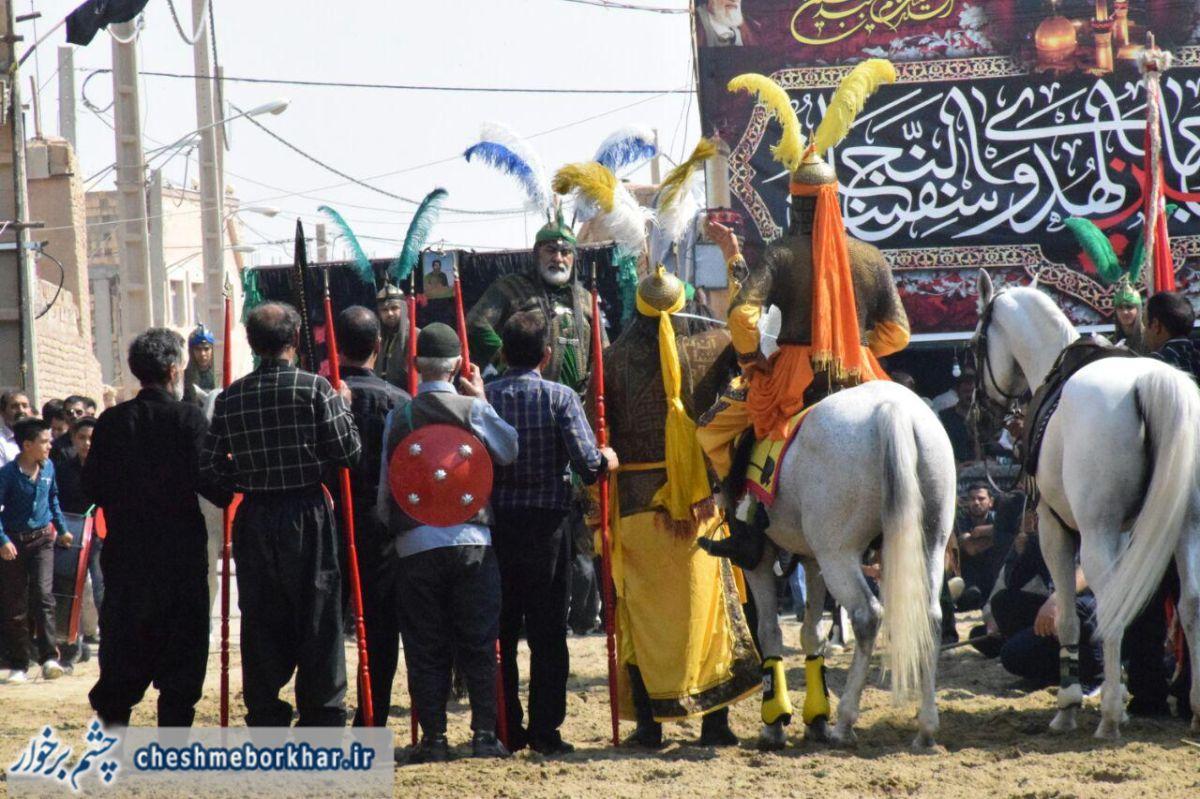 استقبال پرشور مردم سین از کاروان ندای محرم/شهرسین پیشگام در برگزاری مراسم های سنتی و مذهبی+ تصاویر
