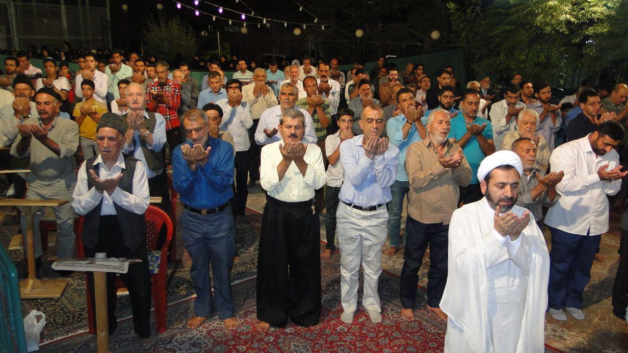 جشن و سرور مردم برخوار در میلاد امام موسی بن جعفر (ع) /تصاویر