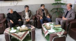 نماینده آستان قدس رضوی در استان اصفهان با عبداله بنهری دیدار کرد
