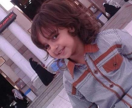 زائر ۷ ساله شیعه که در مدینه گلویش را با شیشه بریدند +فیلم