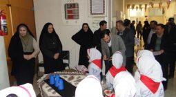 اجرای سرود دانش آموزان دبستان حضرت رقیه (س) در اداره آموزش و پرورش برخوار