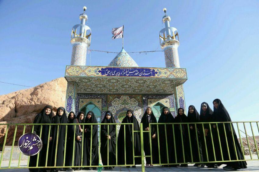اردوی جهادی خواهران بسیج دانشجویی در روستای مرغ و دنبی/تصاویر