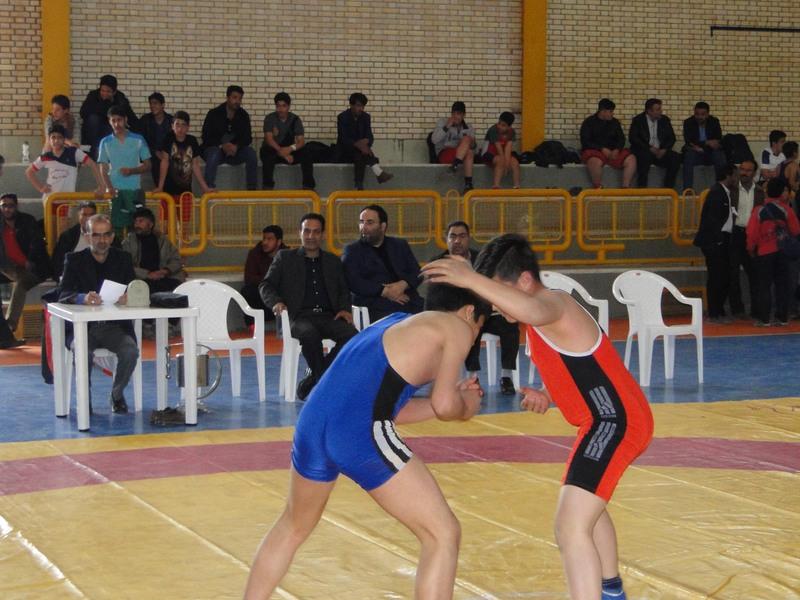 اعلام نتایج مسابقات کشتی آزاد وفرنگی مدارس شهرستان برخوار+ تصاویر