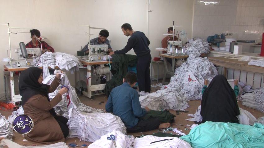 تولید انواع لباس در ۳۰۰کارگاه تریکو دوزی در شهرستان برخوار +تصاویر