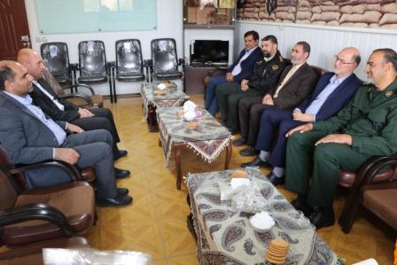 مسئولان شهرستان با فرمانده سپاه برخوار دیدار کردند/تصاویر