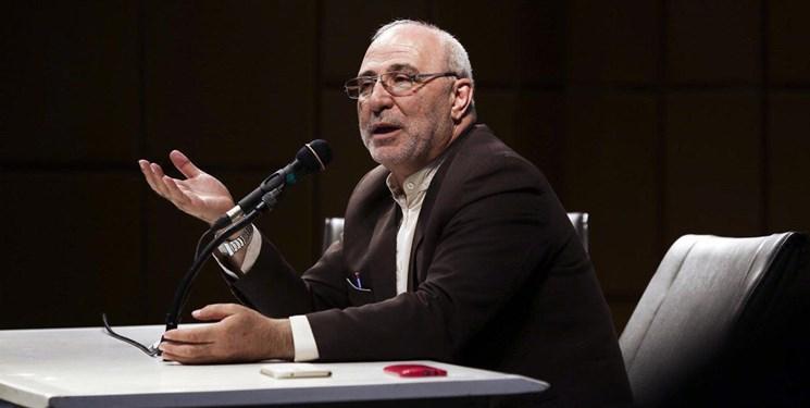حاجی از تأمین هزینه های مدارس از جیب مردم انتقاد کرد
