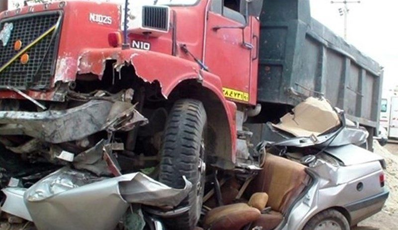 وضعیت مصدومان تصادف مرگبار کامیون و تریلی در کاشان + فیلم
