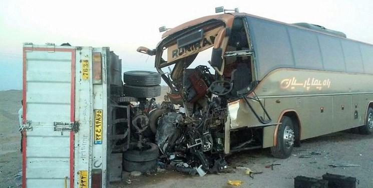 یک کشته و 25 مصدوم در تصادف محور حادثهخیز قم-کاشان
