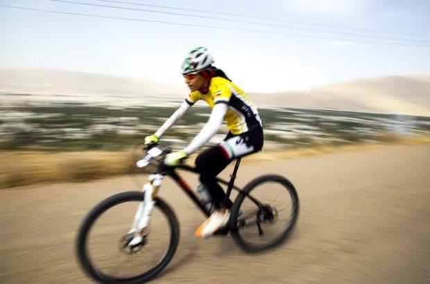 دوچرخه سواری بانوان در شهر خورزوق ممنوعیت شرعی و عرفی دارد+عکس