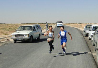 برگزاری مسابقه دوی صحرانوردی ویژه دانش آموزان پسر شهرستان برخوار +تصاویر