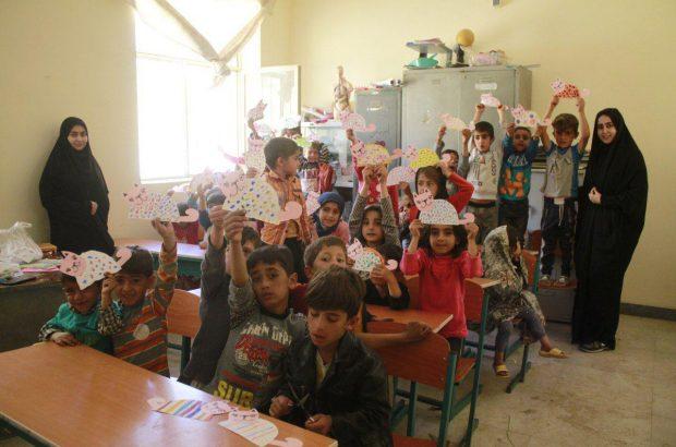 برگزاری اردوی جهادی دانشجویان بسیجی واحد دولت آباد در روستای محروم چشمندگان
