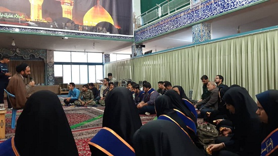 دیدار دانش آموزان نخبه بسیجی با امام جمعه دولت آباد
