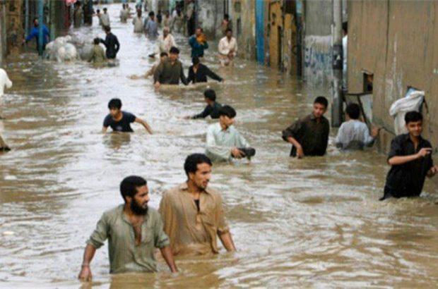 نجات ۵ زن باردار در سیلاب سیستان