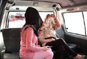 عوامل موثر بر فرار دختران از خانه
