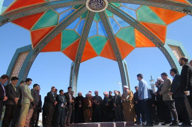 به برکت انقلاب اسلامی آگاهی مردم هر روز بیشتر می شود