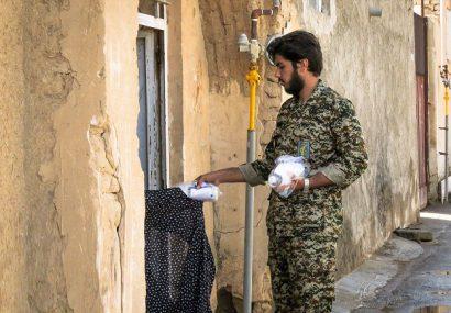 تصاویر | توزیع ۴ هزار بسته بهداشتی ضدکرونایی در شهر حبیب آباد