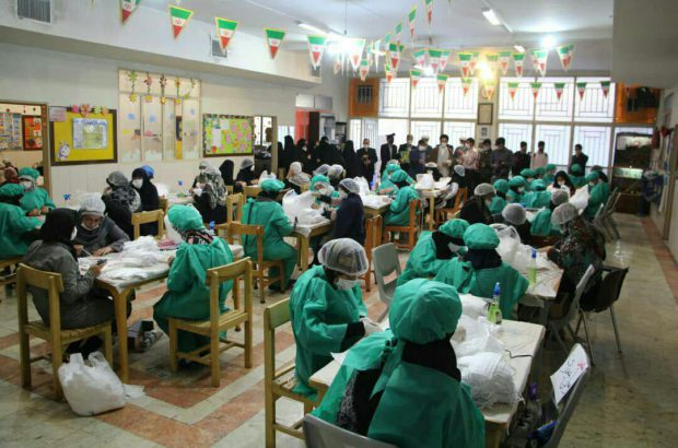 مددجویان اصفهانی ۳۵۰ هزار ماسک بهداشتی تولید کردند