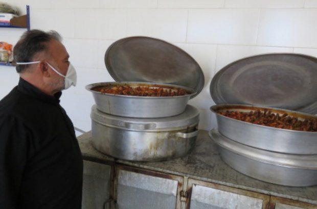 توزیع 4000 پرس افطاری در بین خانواده های نیازمند توسط بسیج برخوار+تصاویر