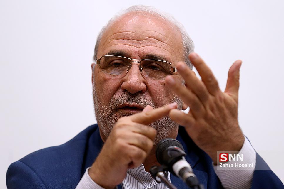 نقد عملکرد وزیر ارتباطات در برنامه زنده رادیویی توسط حاجی+صوت
