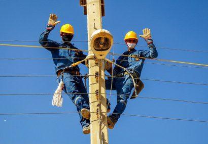 تصاویر | آغاز پروژه تبدیل شبکه برق فشار ضعیف به کابل خودنگهدار در برخوار