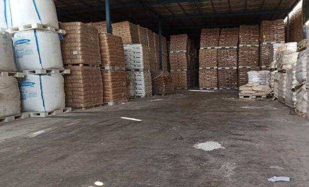 کشف انبار احتکاری 300 میلیاردی مواد اولیه صنعتی در برخوار